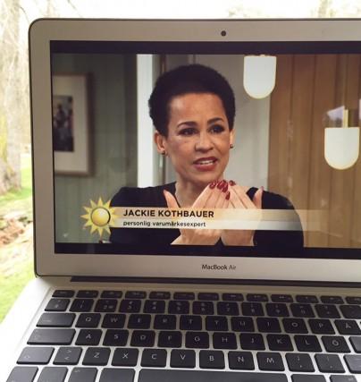 Boka en föreläsning med varumärkesexperten Jackie Kothbauer som talar om nya vägar till drömjobbet.