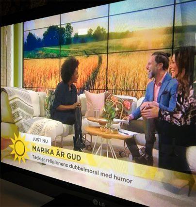 Succé för komiker Marika Carlsson med showen Jag är Gud!