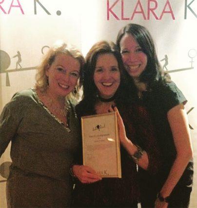 Klara K:s delar ut Årets Uthållighetspris till komikern Yvonne Skattberg!
