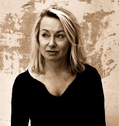 Boka en föreläsning med sångerskan Louise Hoffsten om ms, musik och livskvalitet.
