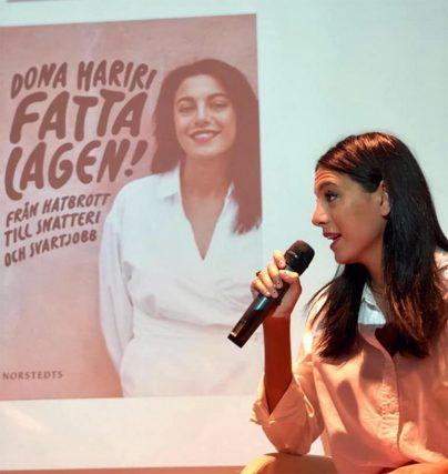 Boka Dona Hariri författare till Fatta lagen för en föreläsning eller som moderator.
